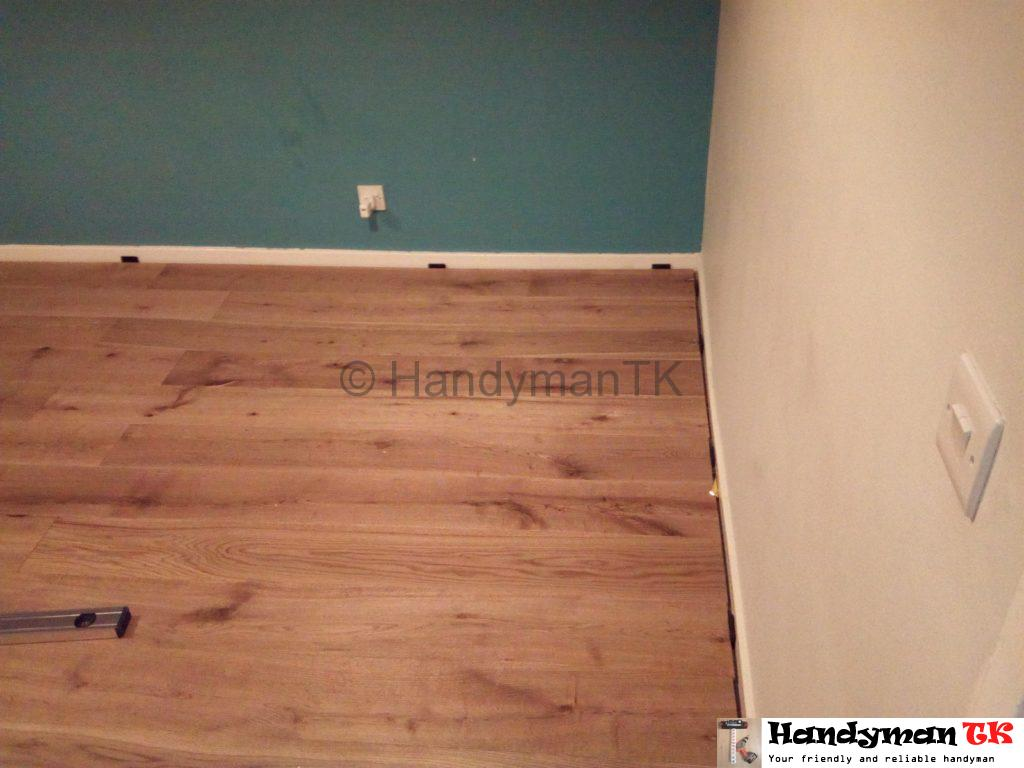 Laminated floor before beading